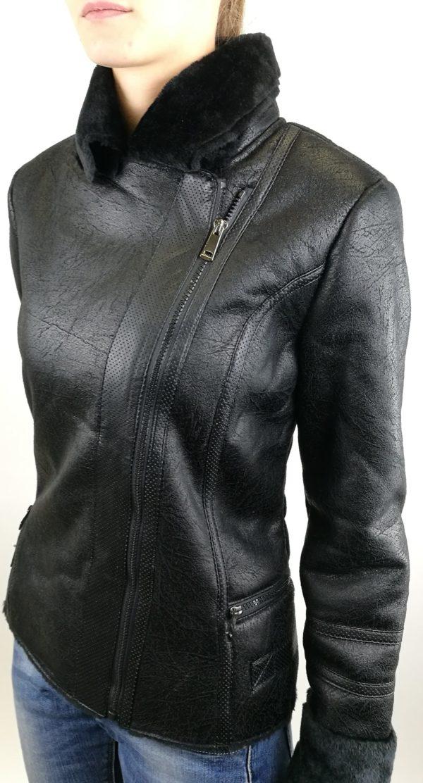 Čierna koženková bunda zateplená.