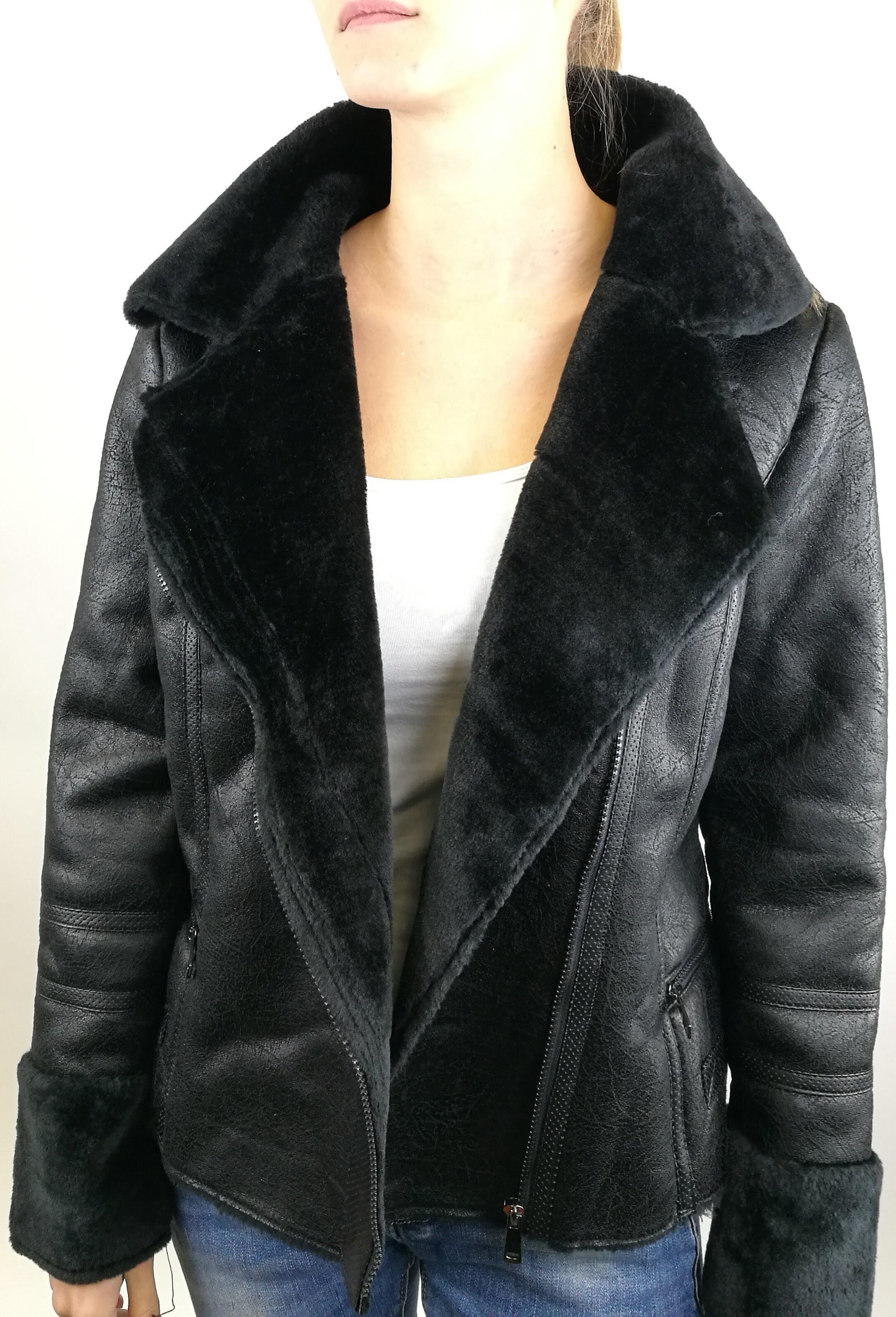 2477c777b3d3 Čierna koženková Čierna zateplená koženková bunda. bunda zateplená.